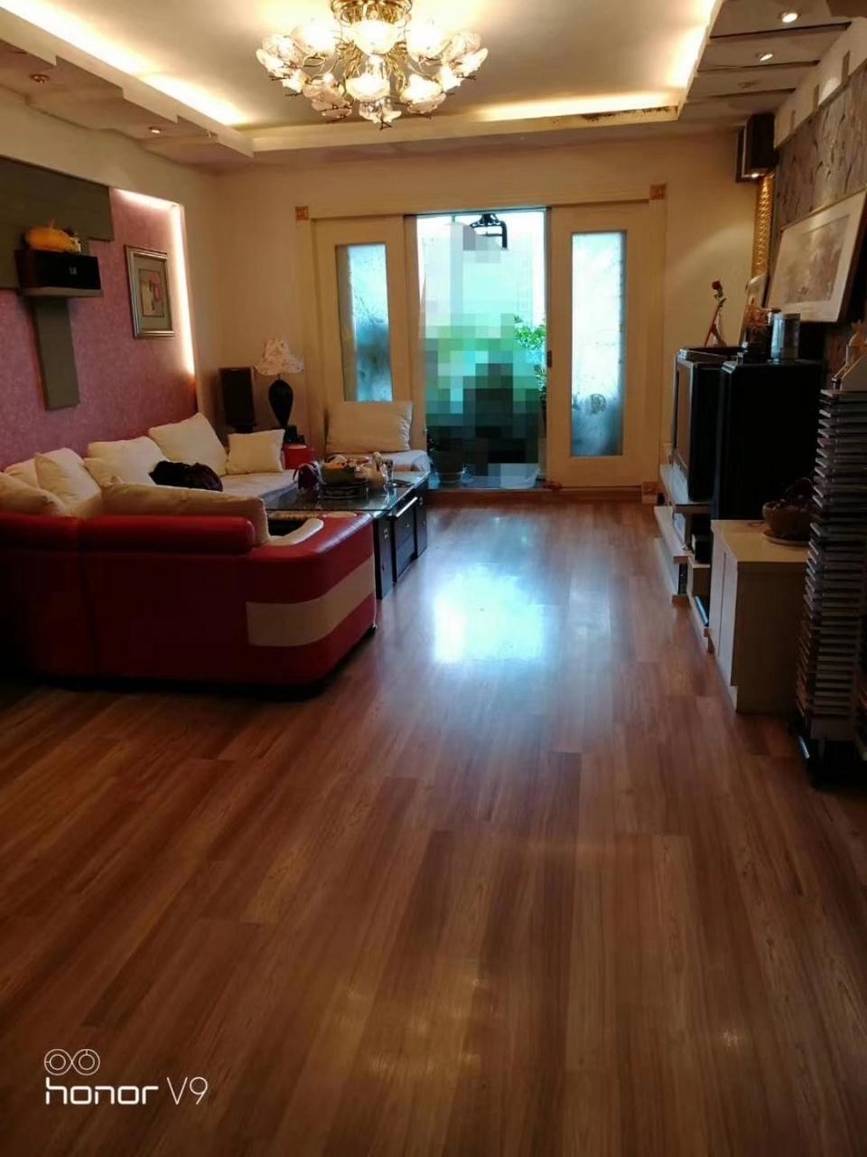 南江花园3室 2厅 2卫60.8万元
