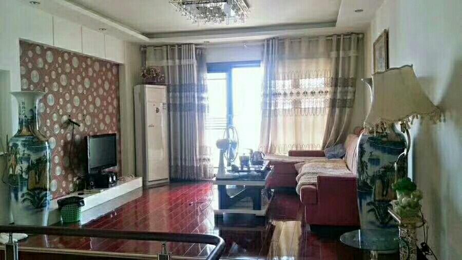 江畔人家楼中楼4室 2厅 2卫89.0万元