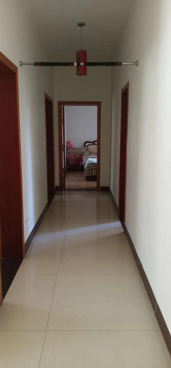 紫江花园3室 2厅 1卫55.8万元