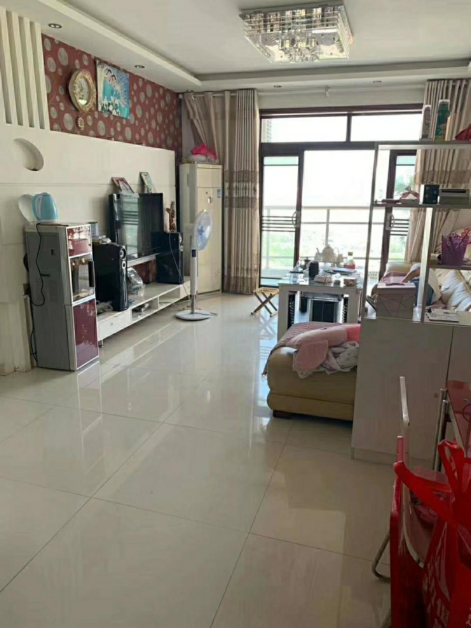 江畔人家200平楼中楼5室带露台89.8万元