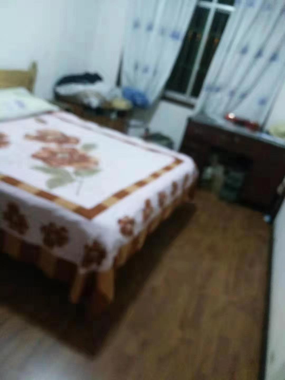 马头寨小区3室 2厅 1卫33.8万元