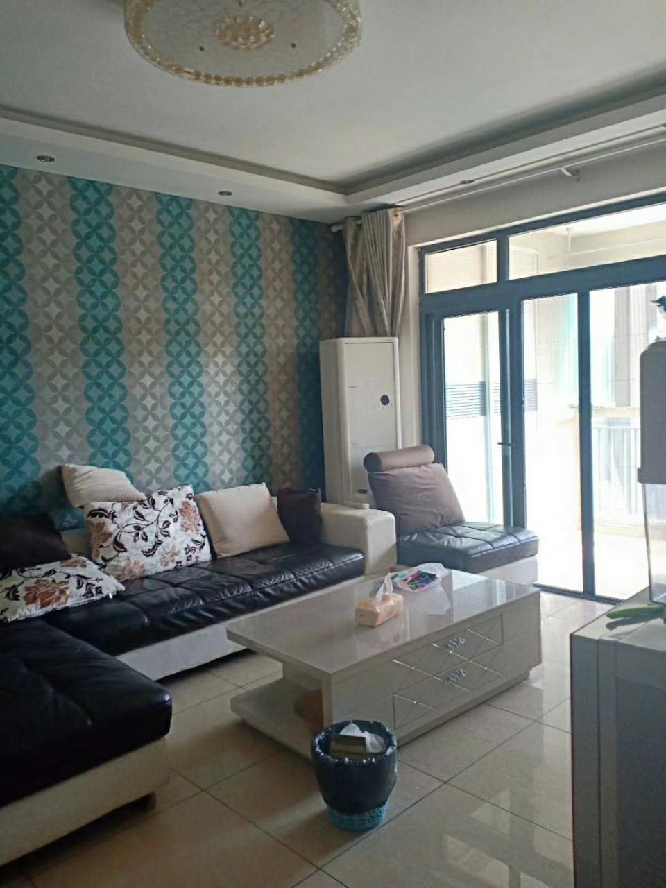 玫瑰湾98平精装房2室 2厅 2卫62.8万元