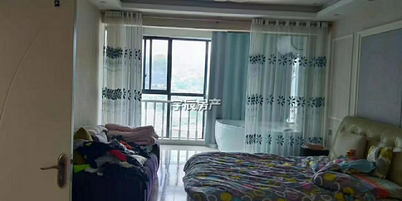 东湖国际复式楼5室 2厅 1卫