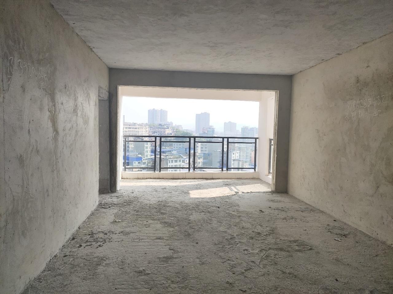 國貿4室 2廳 2衛123.8萬元