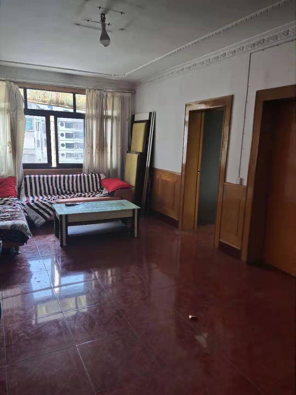 供电局附近4室 1厅 1卫42.8万元
