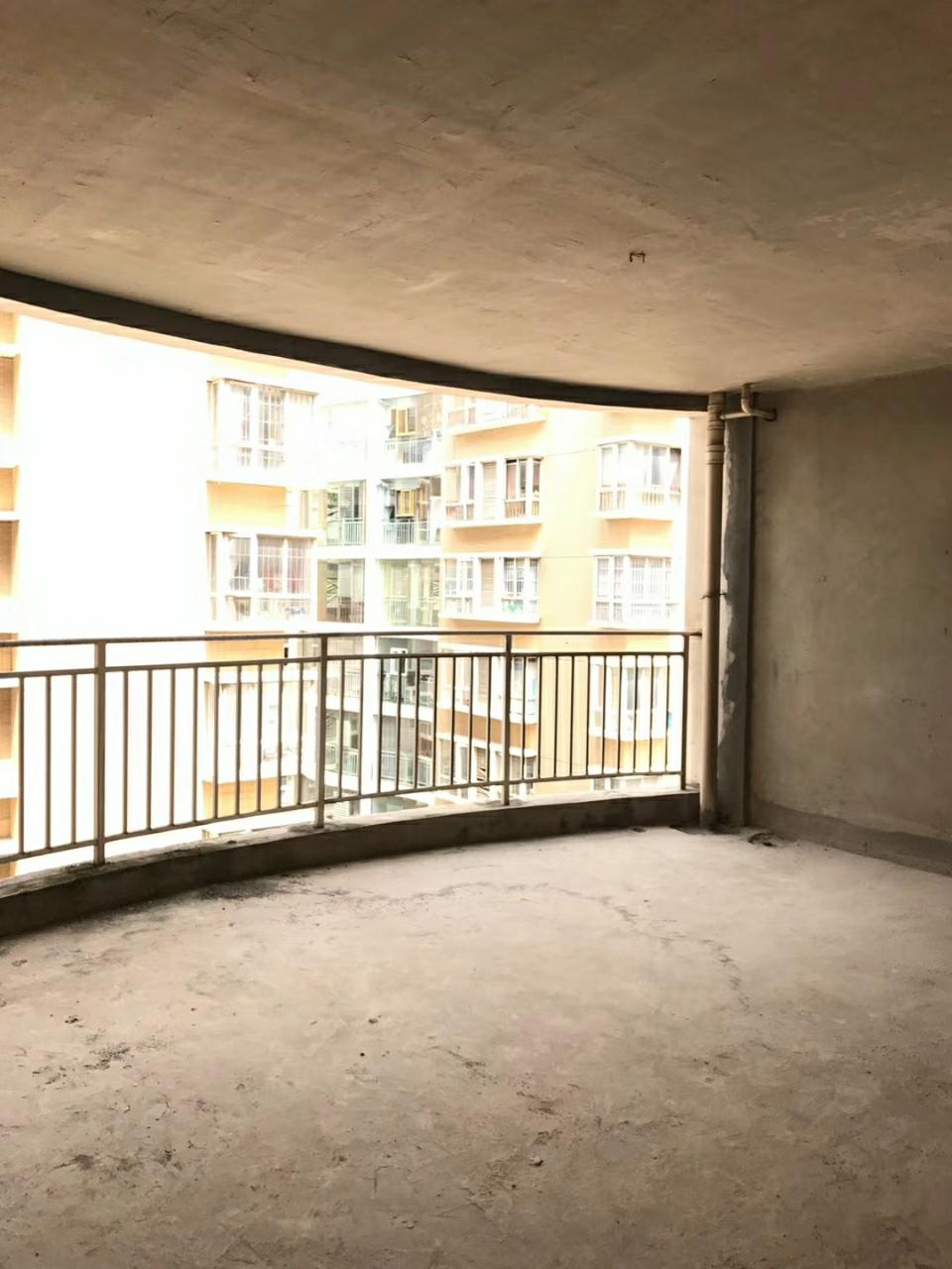 银杏广场3室 2厅 1卫60万元