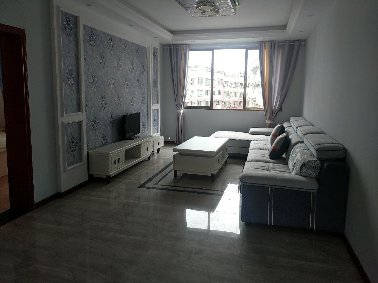 老卢巷精装3室2厅2卫130平5楼49万