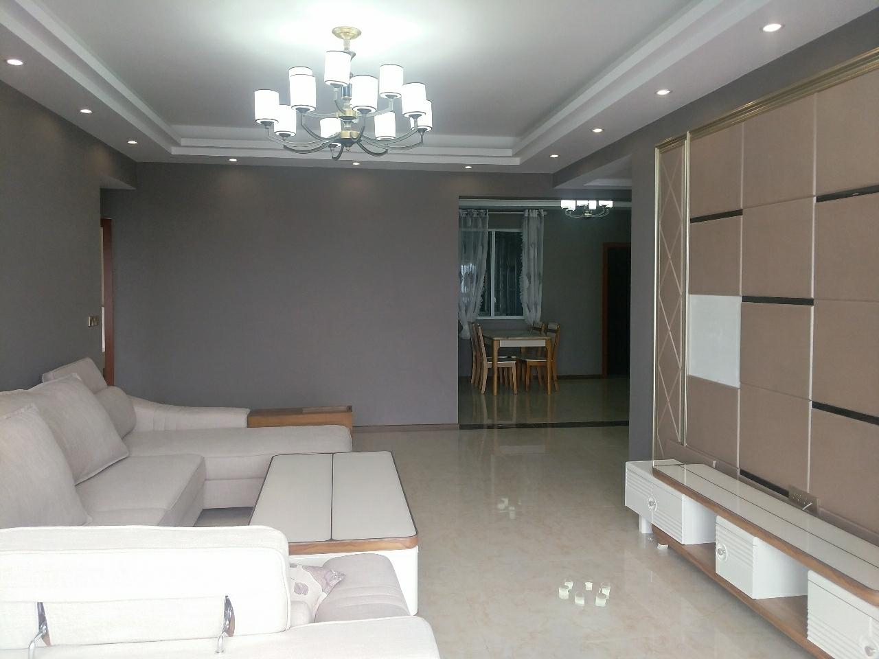张家沟电梯公寓精装3室2厅2卫18楼130平69万