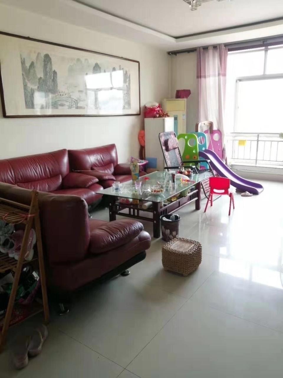 学府家园带车库3室 2厅 2卫135万元