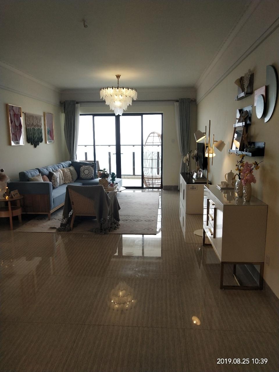 保利2室 2厅 2卫115万元