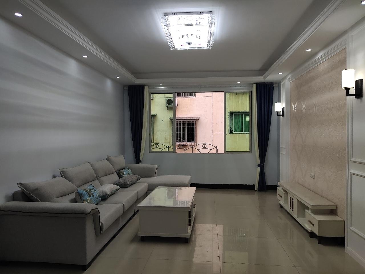 时代广场3室 2厅 2卫47.8万元
