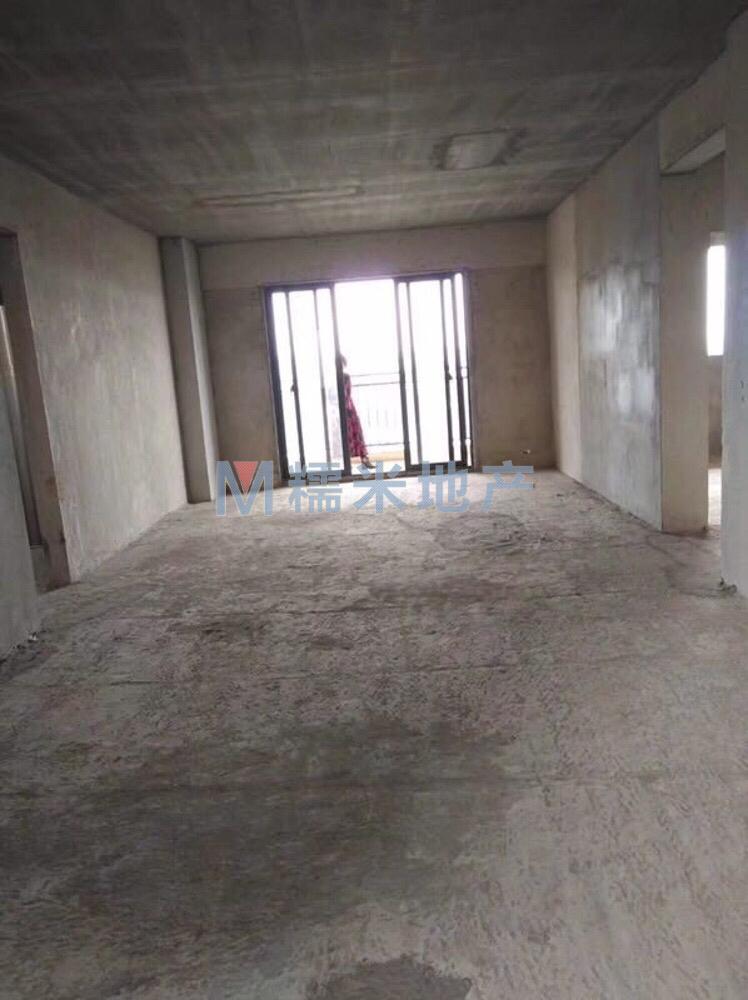 中浩地王4室 2厅 2卫68万元
