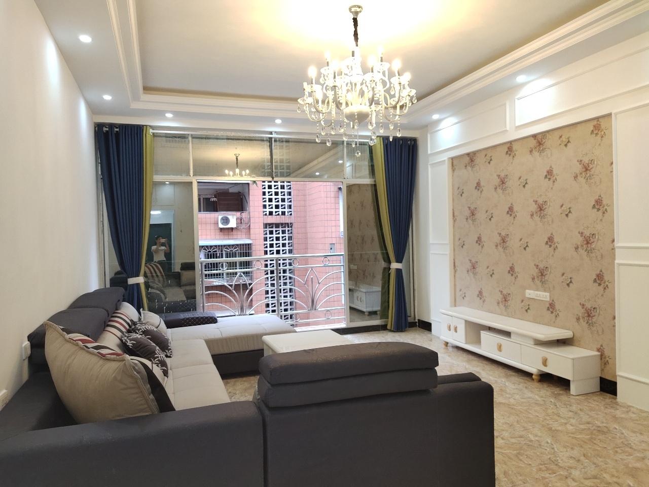 佳荔公寓3室 2厅 2卫56.8万元