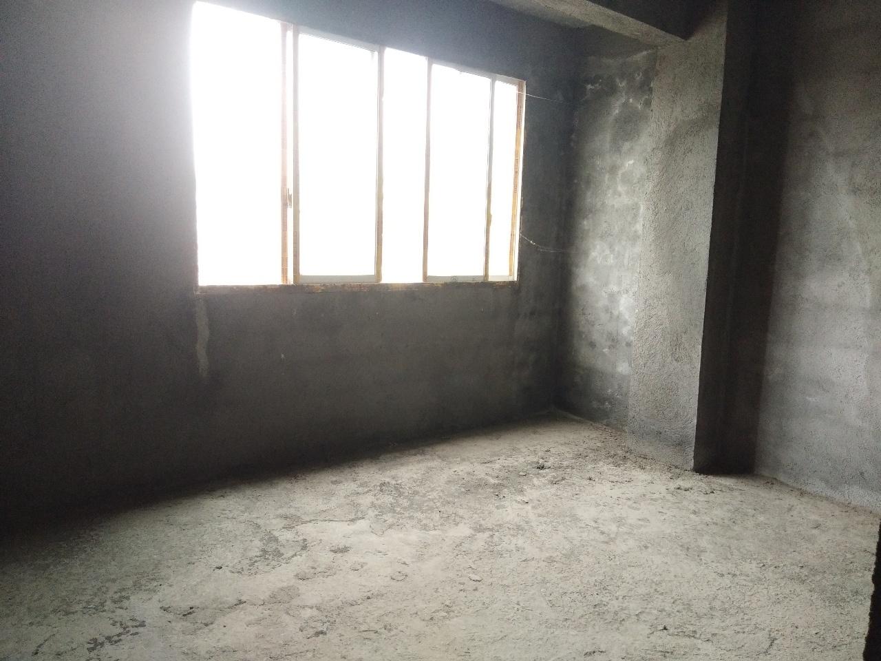 朝阳路3室 2厅 2卫49万元140平