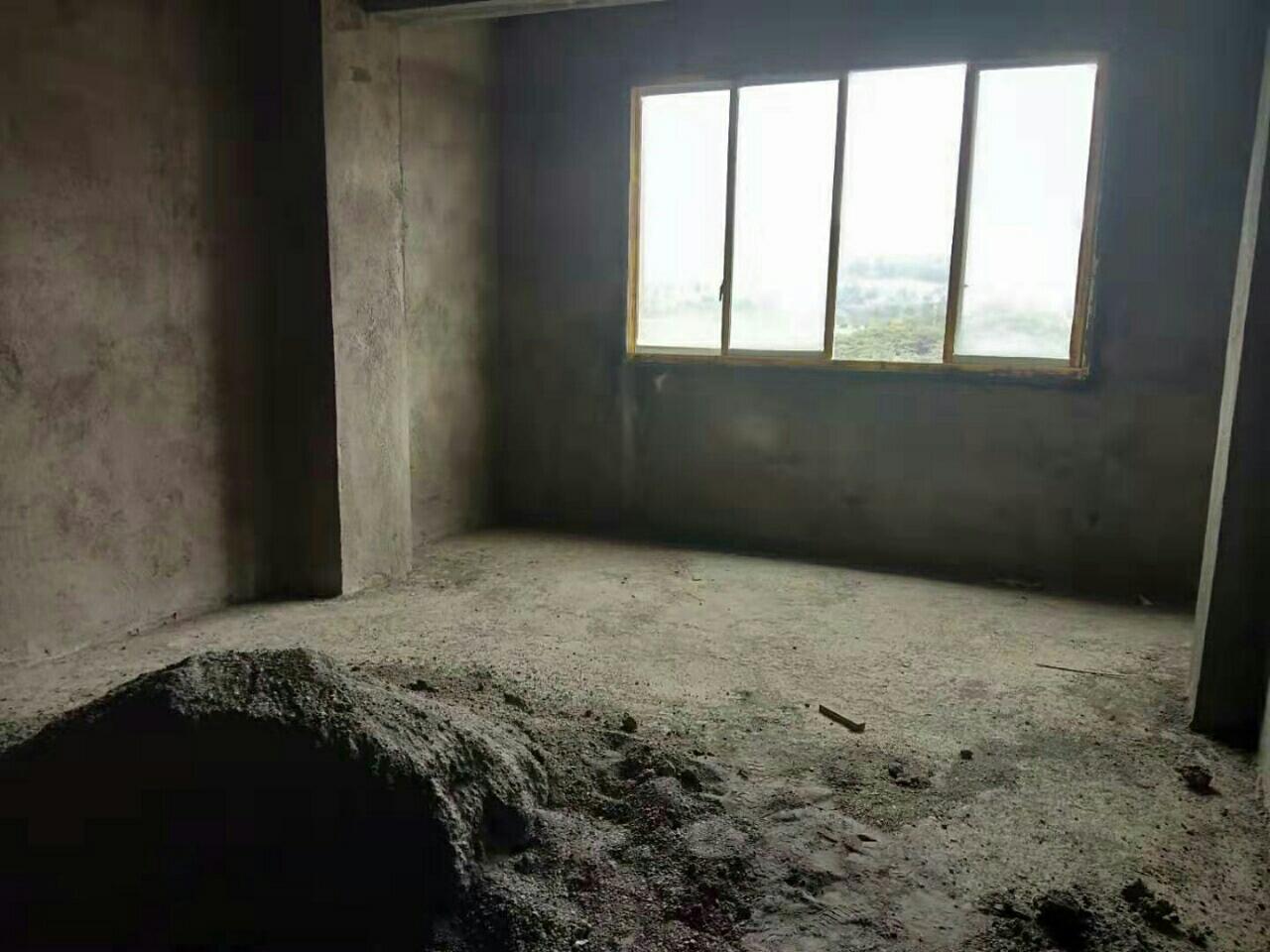 朝阳路电梯自建房4室 2厅 2卫49万元