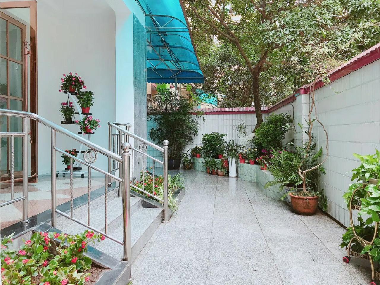 花园小区3室 2厅 2卫92.8万元