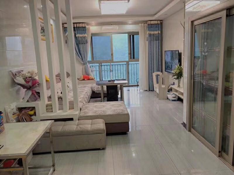 楚天华庭3室 3厅 2卫59.8万元