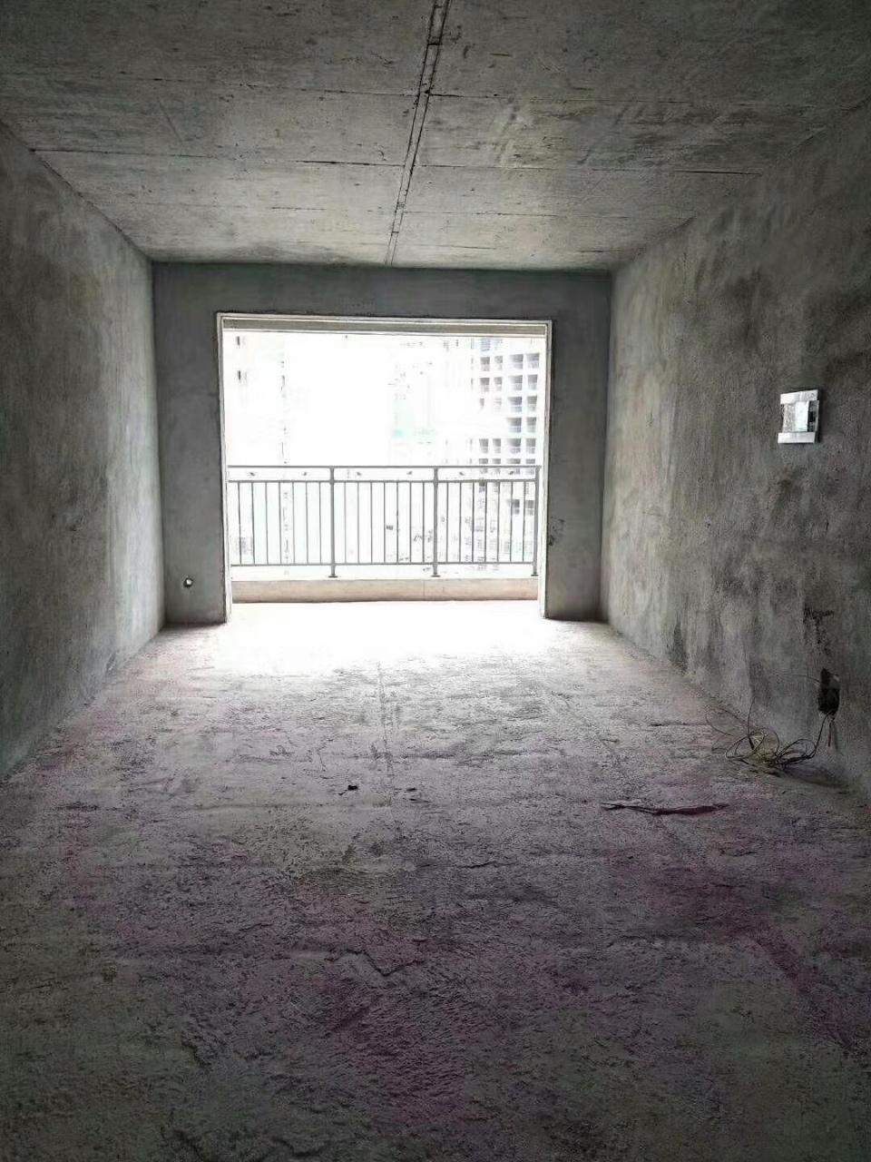 天成名都,环境优美,3室2厅2卫,只售89.8万