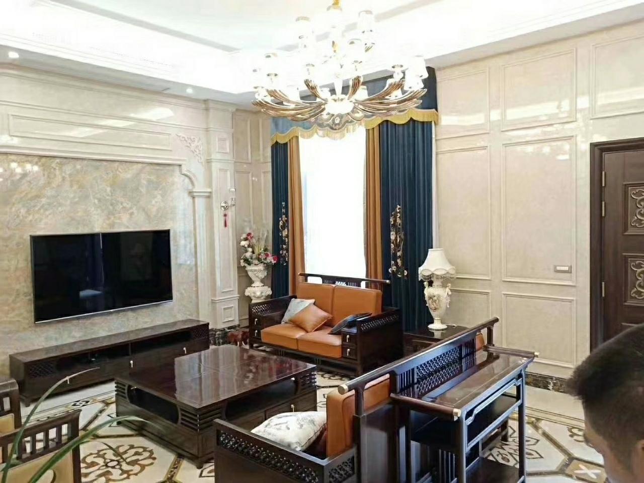 金色家园5室 3厅 2卫528万元