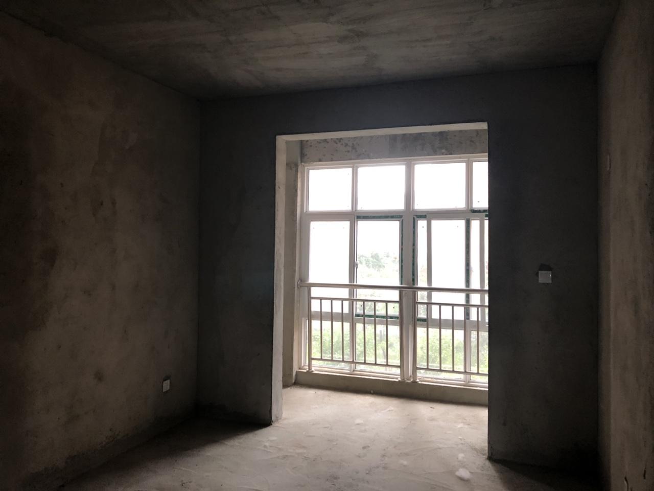 东方半岛3室 2厅 2卫75万元支持按揭
