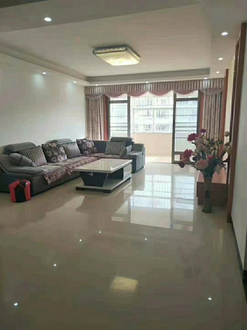世紀佳苑3室 2廳 2衛83.9萬元