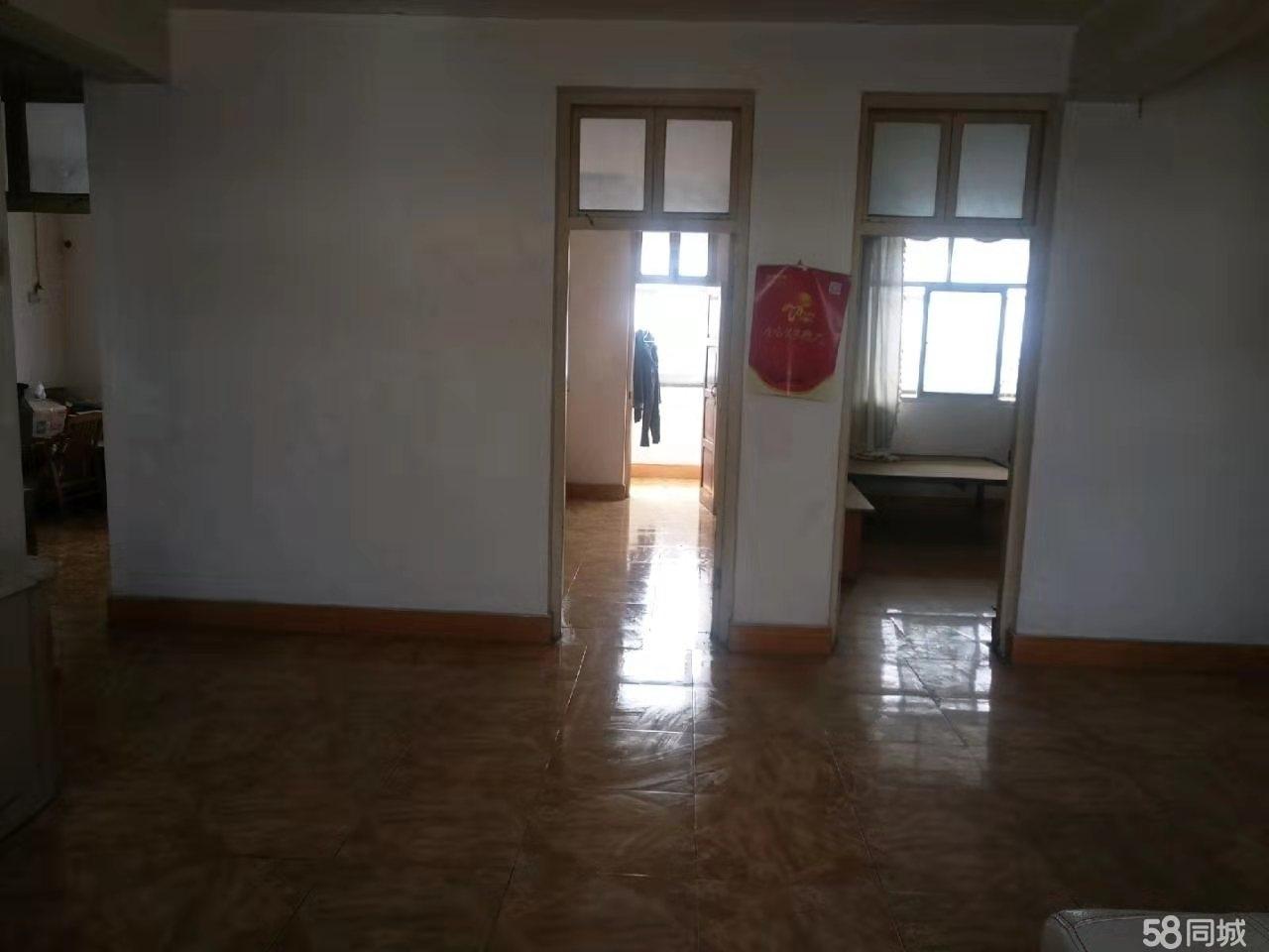 农机局家属院3室2厅2卫 步梯6楼,繁华地段