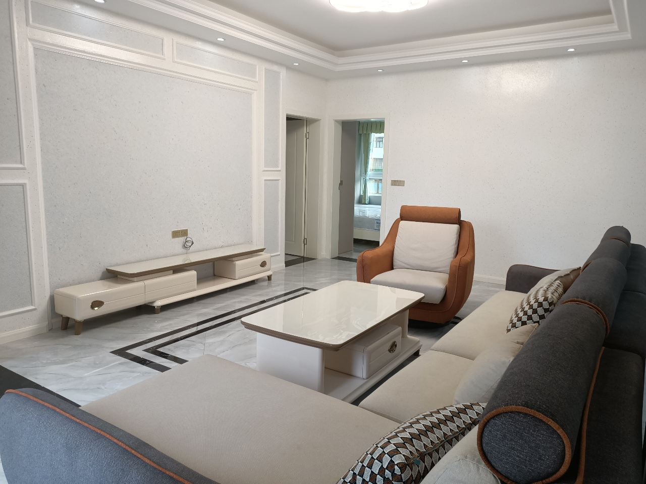 福地城二期4室 2厅 2卫98.8万元