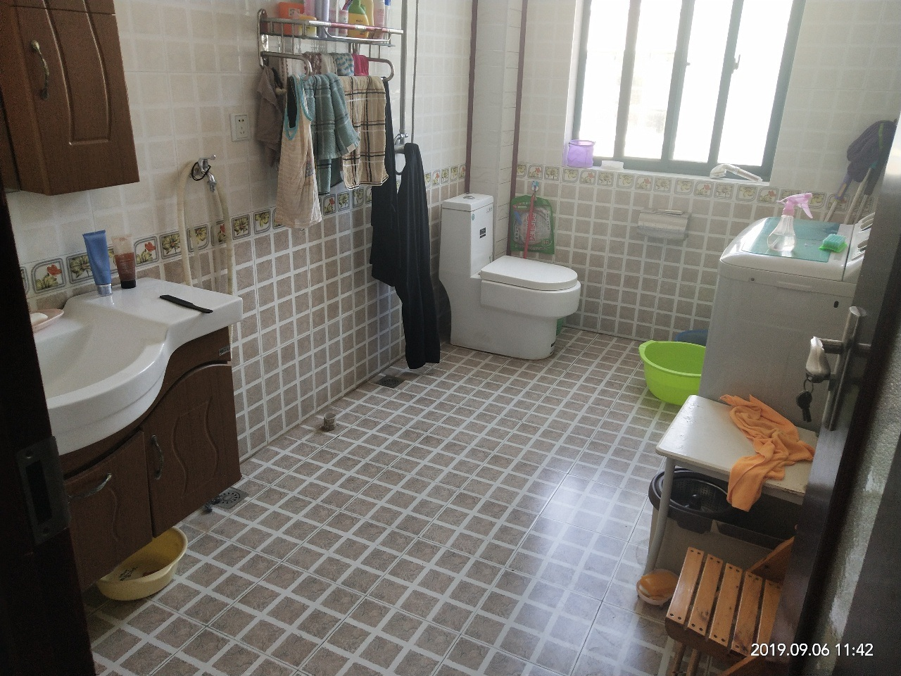 美景山城3室 2厅 2卫60万元