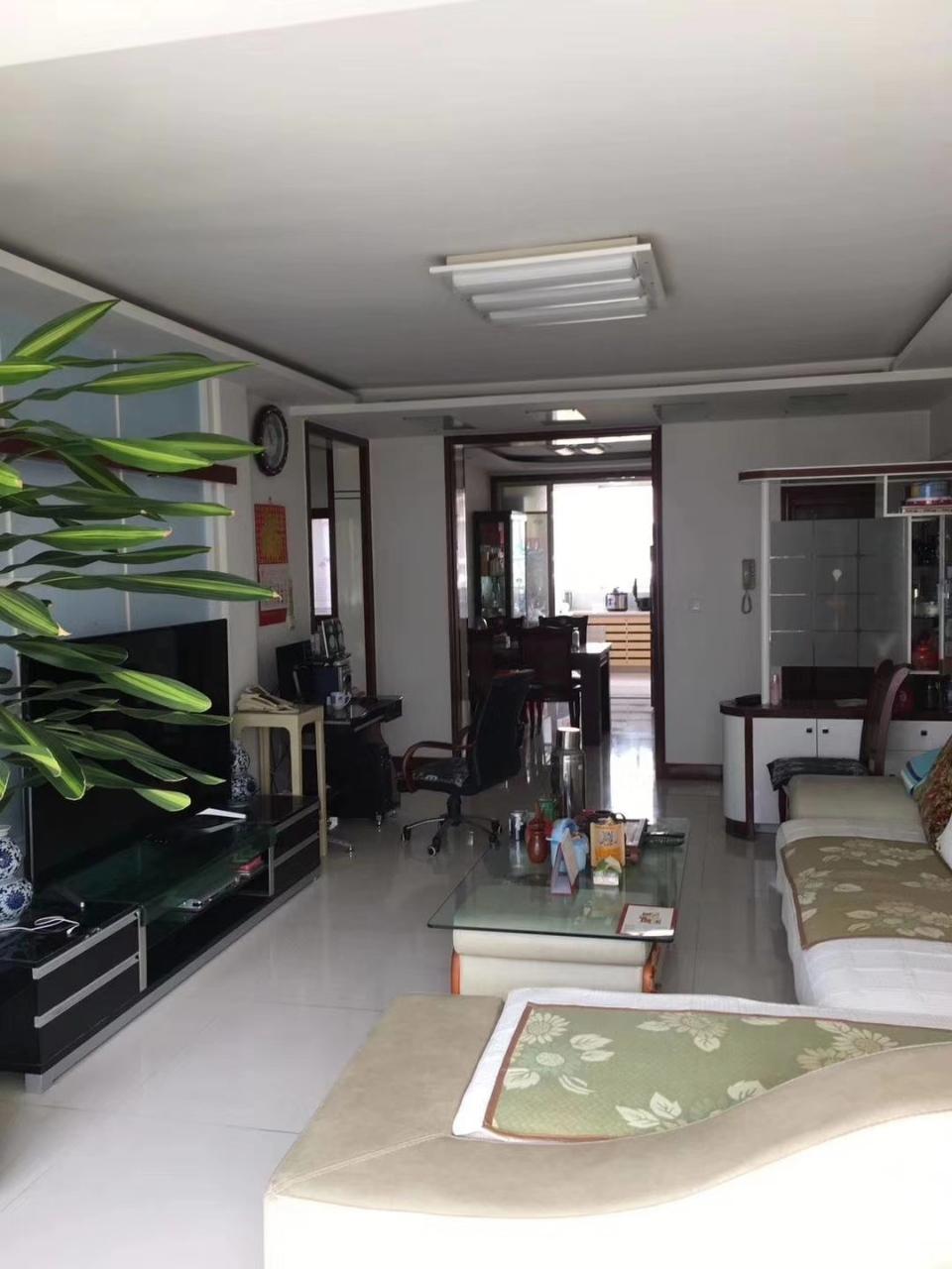 凌河家园2室 2厅 1卫40万元