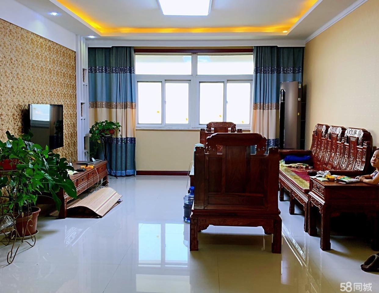 荣兴国际3室 2厅 1卫70万元