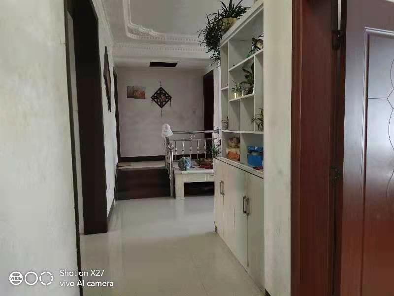 观音桥实小学区房3室 2厅 2卫50.8万元