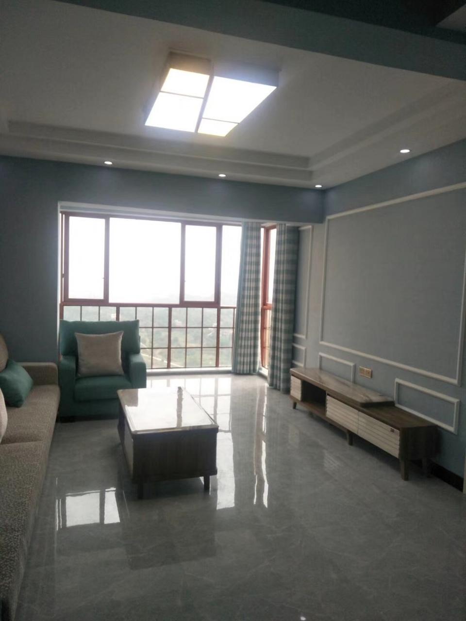 福景佳苑3室 2厅 2卫73.8万元