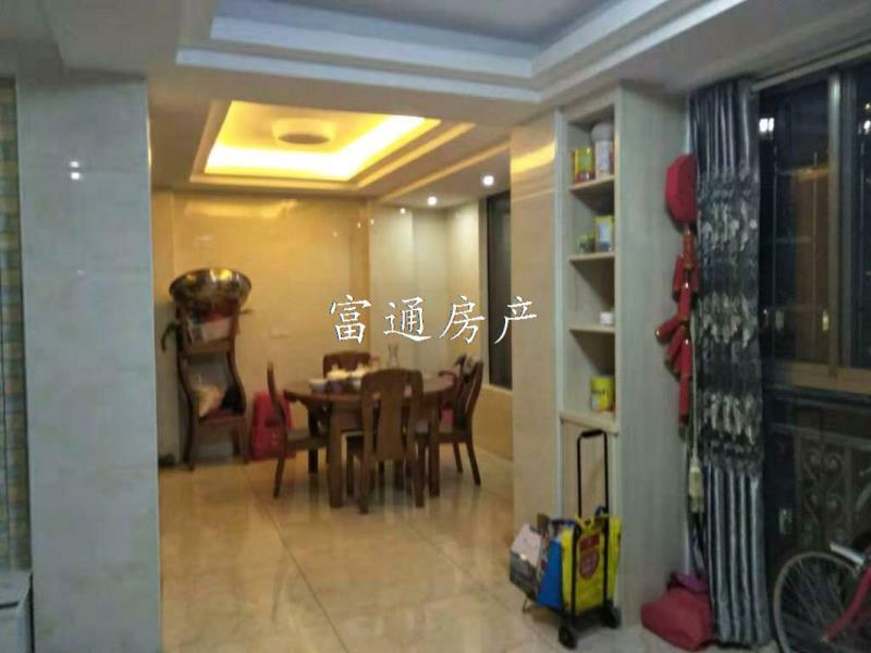 名桂首府3室 2厅 2卫132.8万元