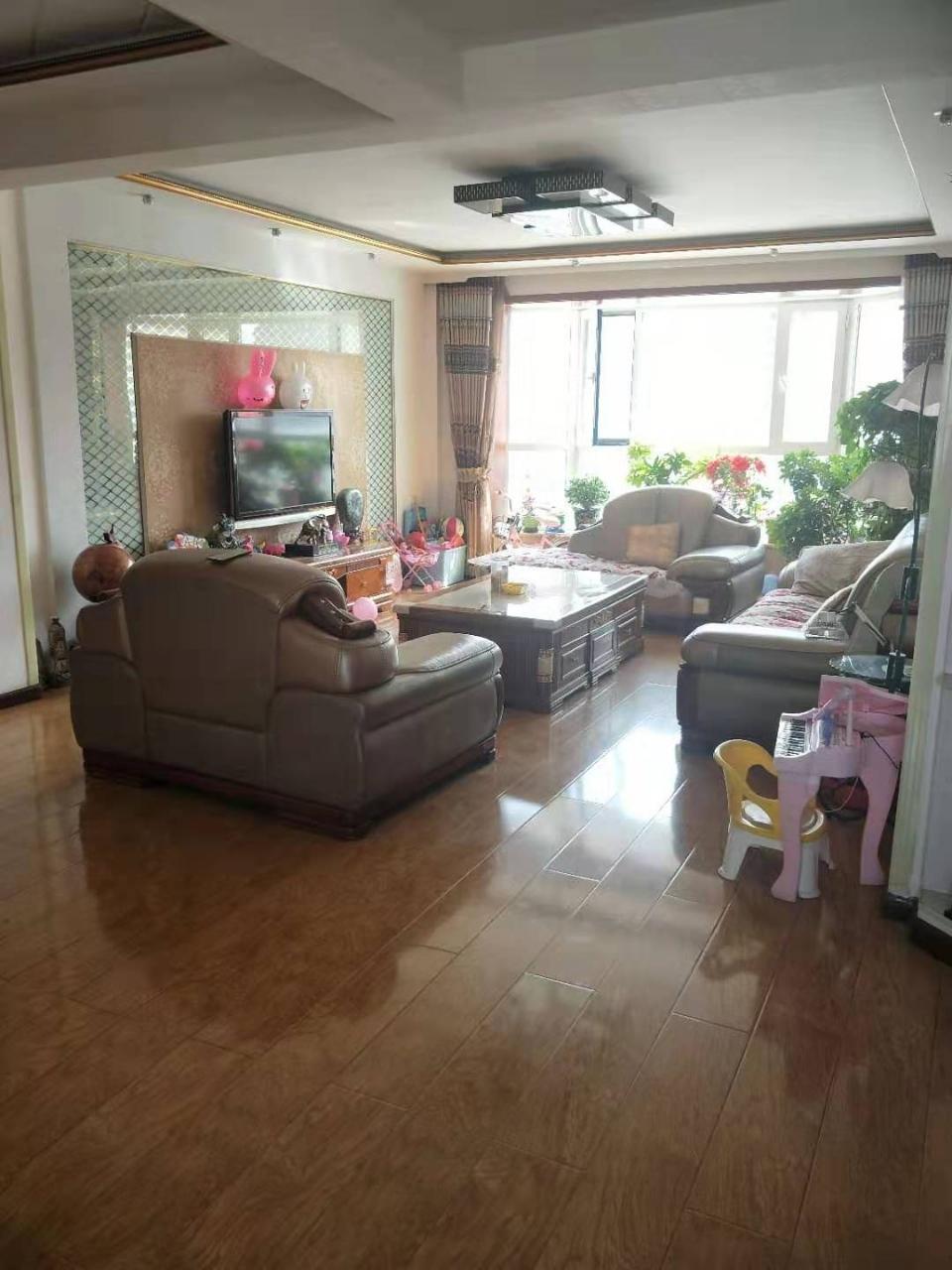 凯旋苑3室 精装地暖可优惠可按揭