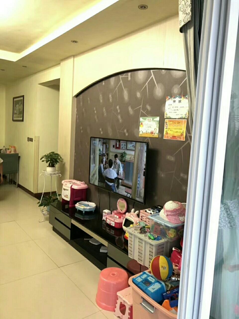 临江花园3室 2厅 2卫83.8万元