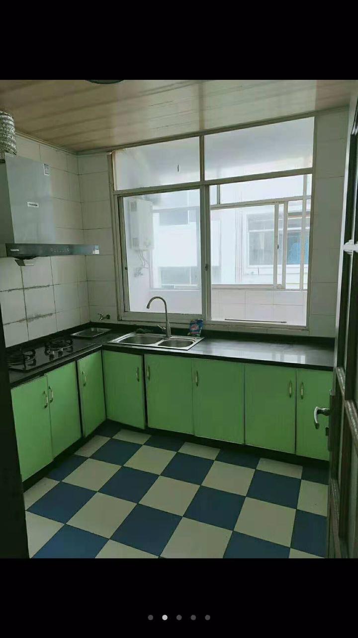 联一小学区房大3房精装4500一平米