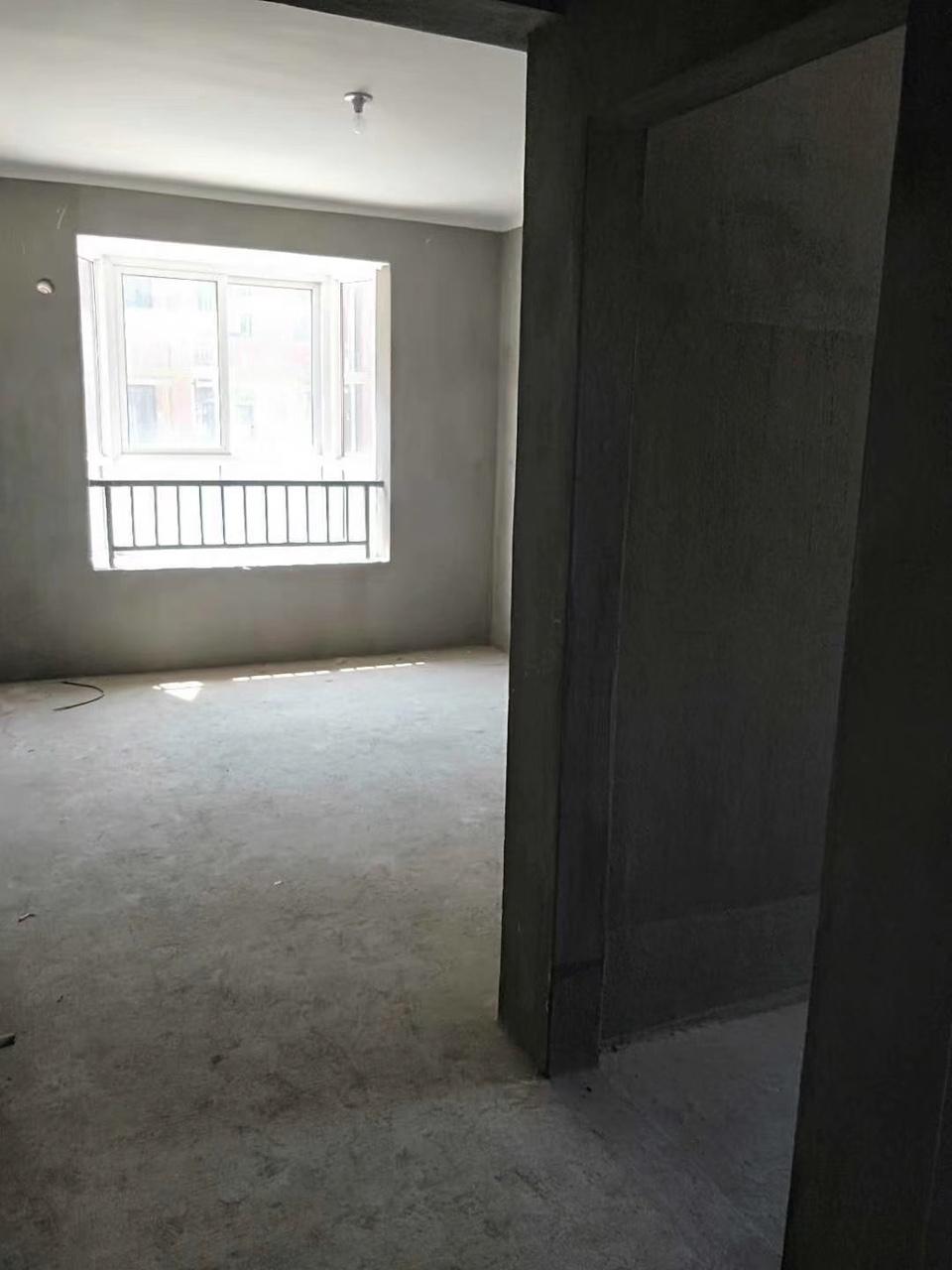 樂盛?龍城國際步梯房五樓邊套看房隨時只要56萬
