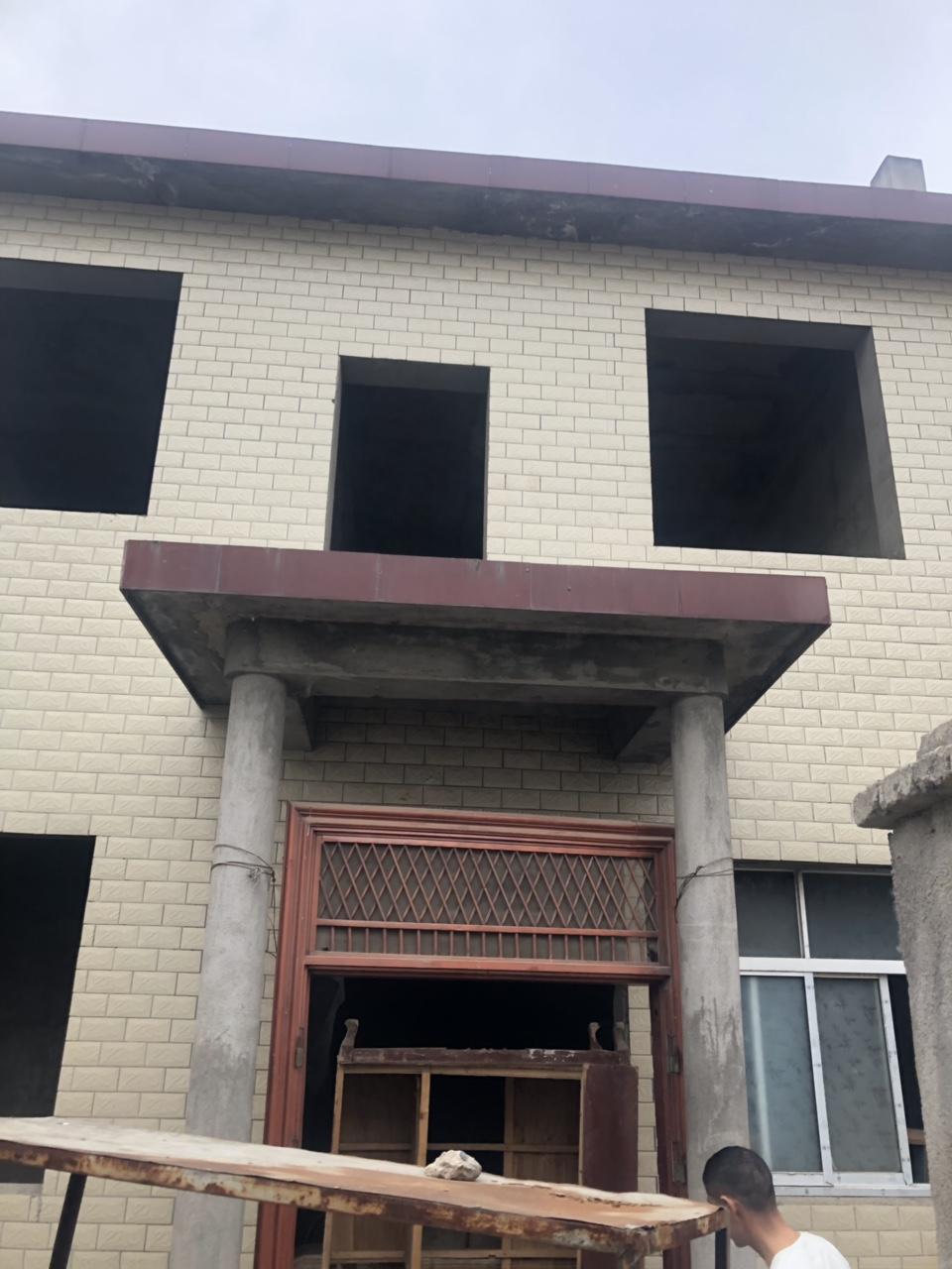 金河罗庄独家小院4室 2厅 2卫35万元