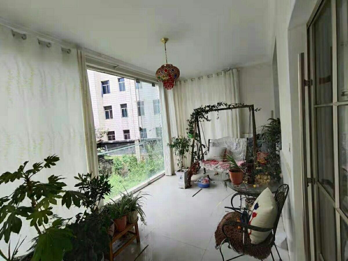 龙腾锦城4室 2厅 2卫95.8万元