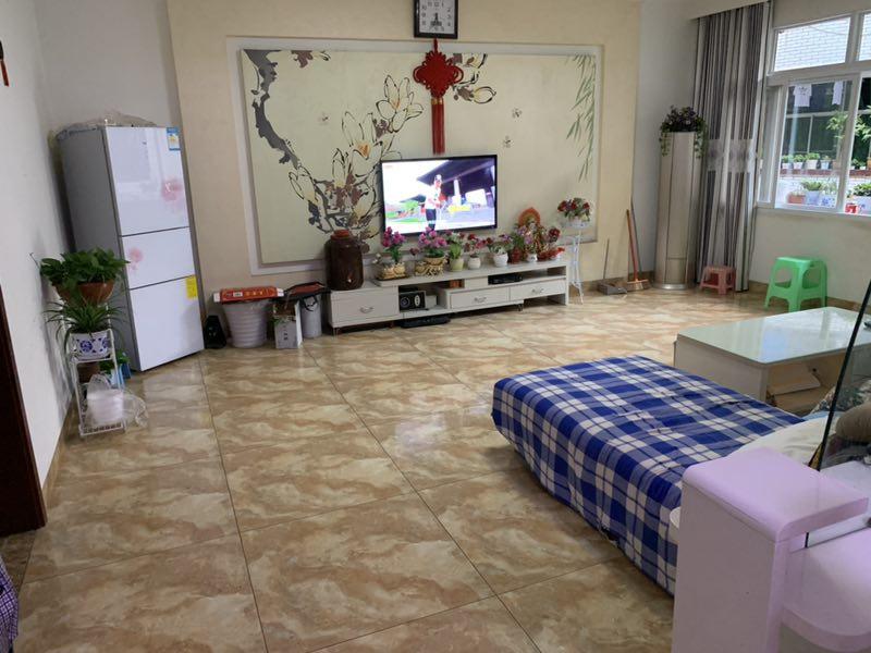 涌泉街3室 1厅 1卫62.8万元