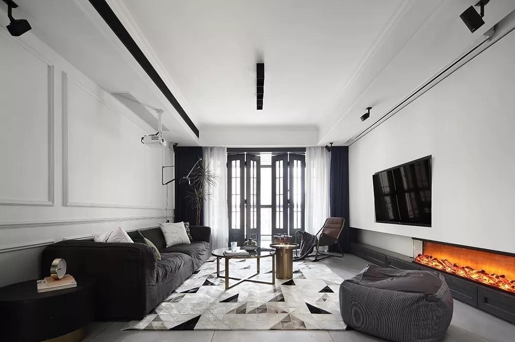 水岸花墅一期4室 2厅 3卫125万元