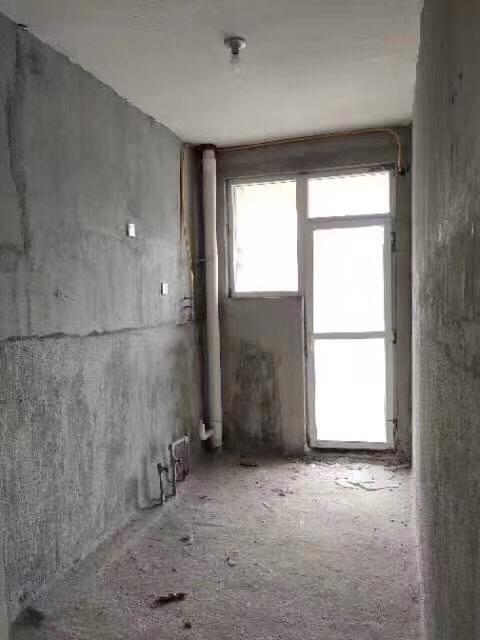 梓江新城4室 2厅 2卫42万元