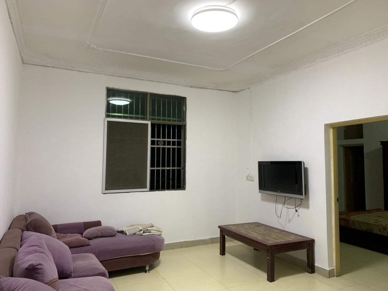 金盆山公寓3室 2厅 1卫35.8万元 中装 好便