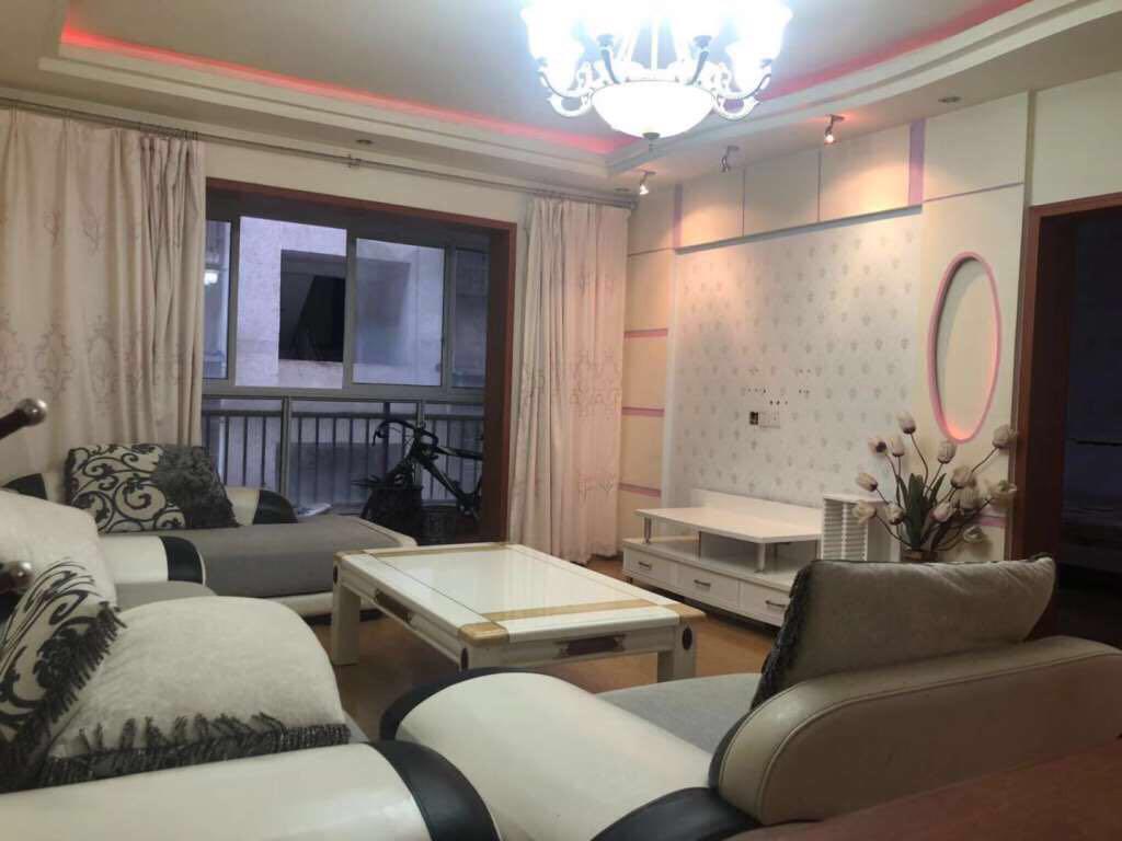 桂花街文义名居3室 2厅 1卫36万元