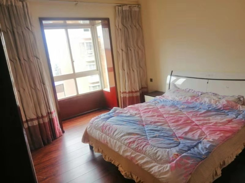 龙腾锦城3室 2厅 2卫75万元