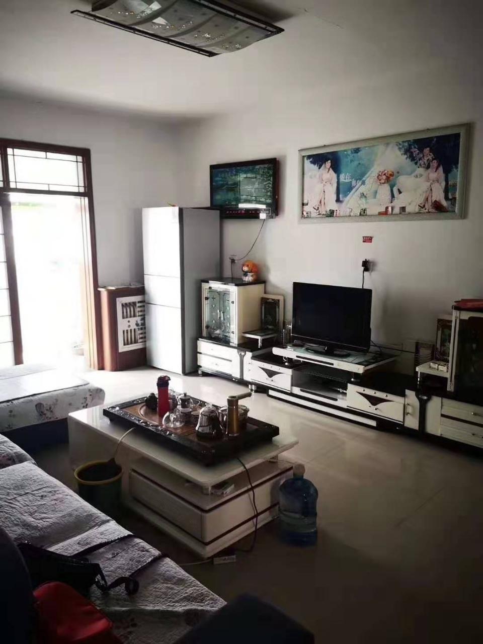 首付12万 买盛华小区 两室精装房 拎包入住非顶楼