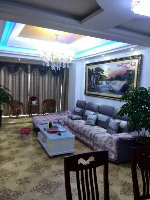金鑫国际佳园6室 2厅 2卫98万元