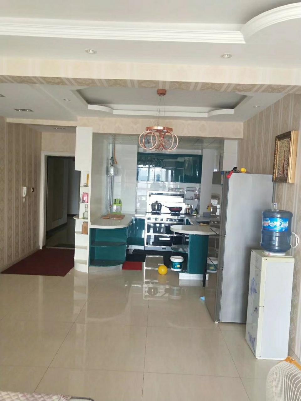 湖畔华庭2室 2厅 1卫56万元