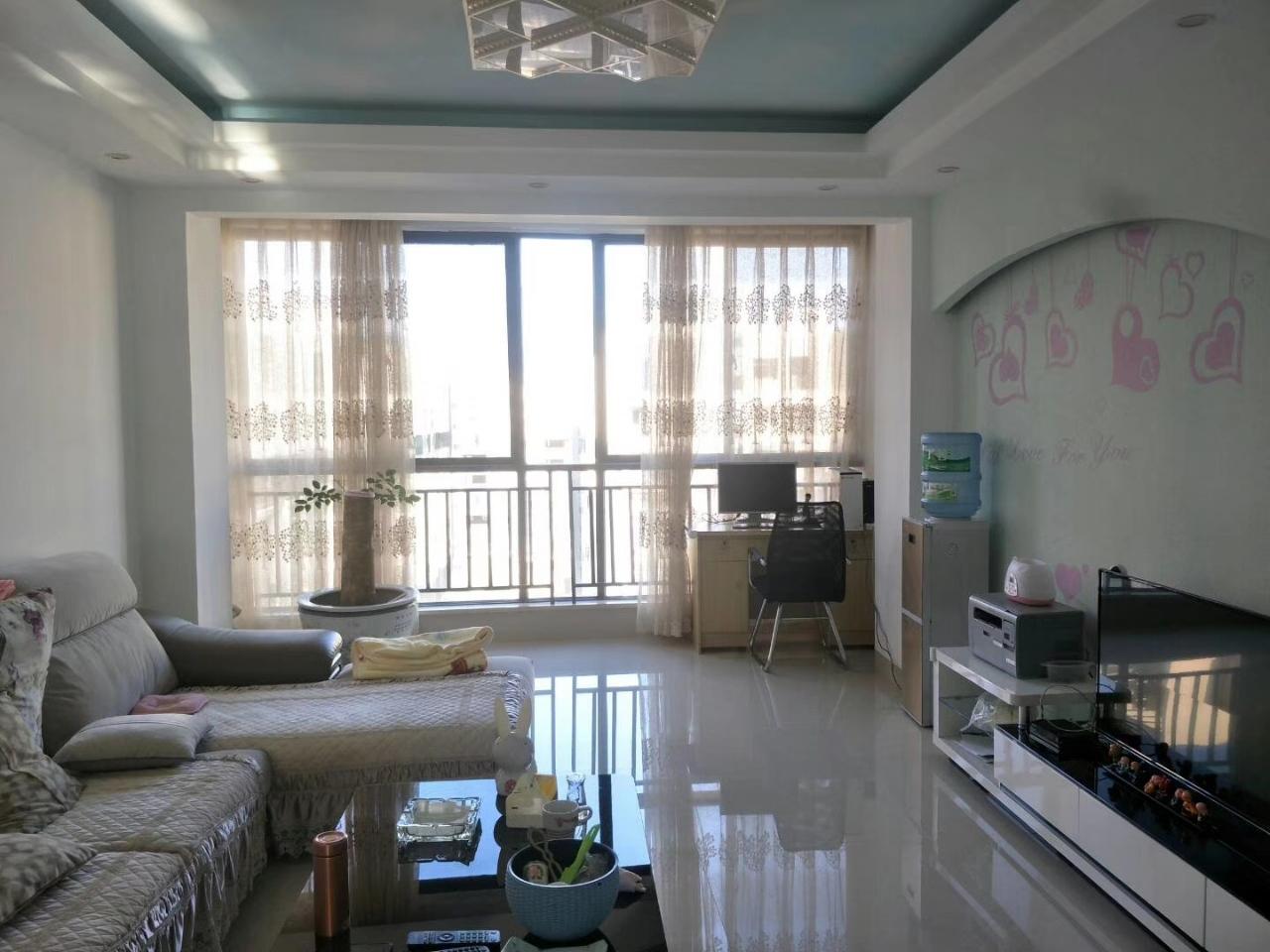 龙园3室 2厅 2卫60.8万元