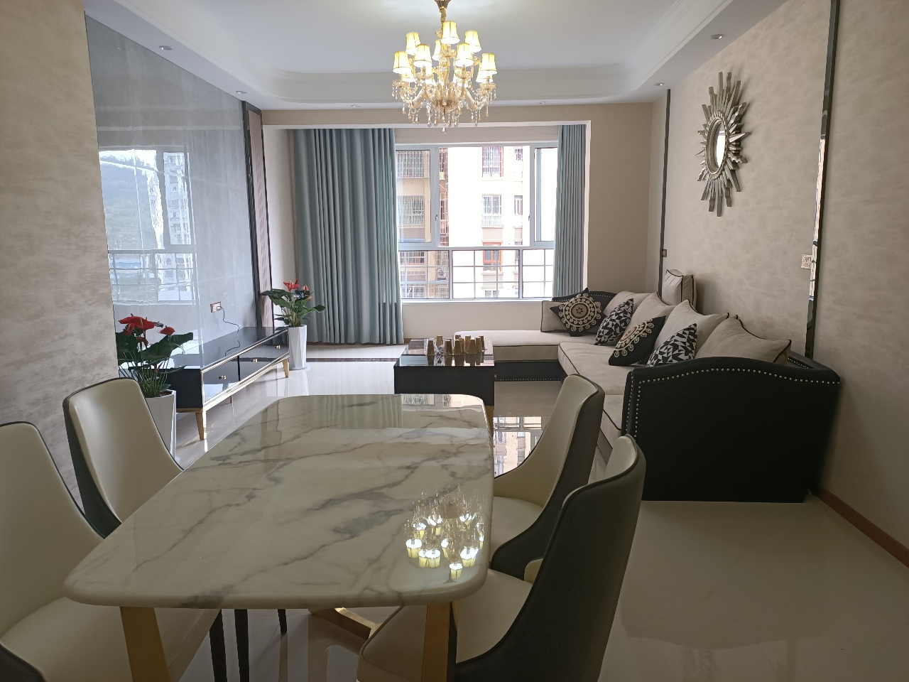 阳光·凯悦帝景1栋现证3室 2厅 2卫74.8万元